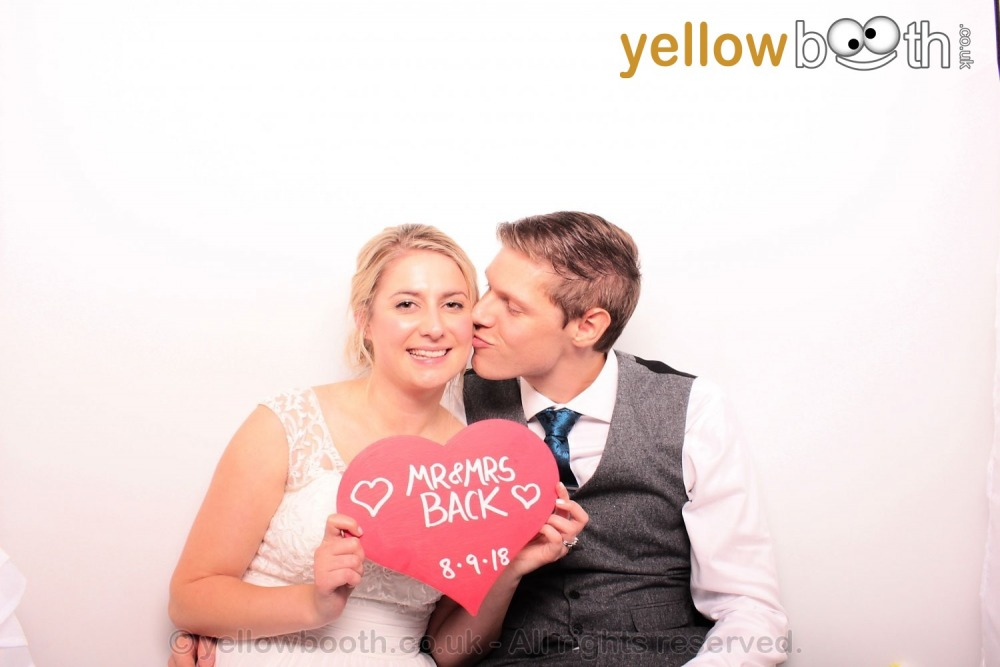 2018-09-08 Mr & Mrs Back, Corn Barn