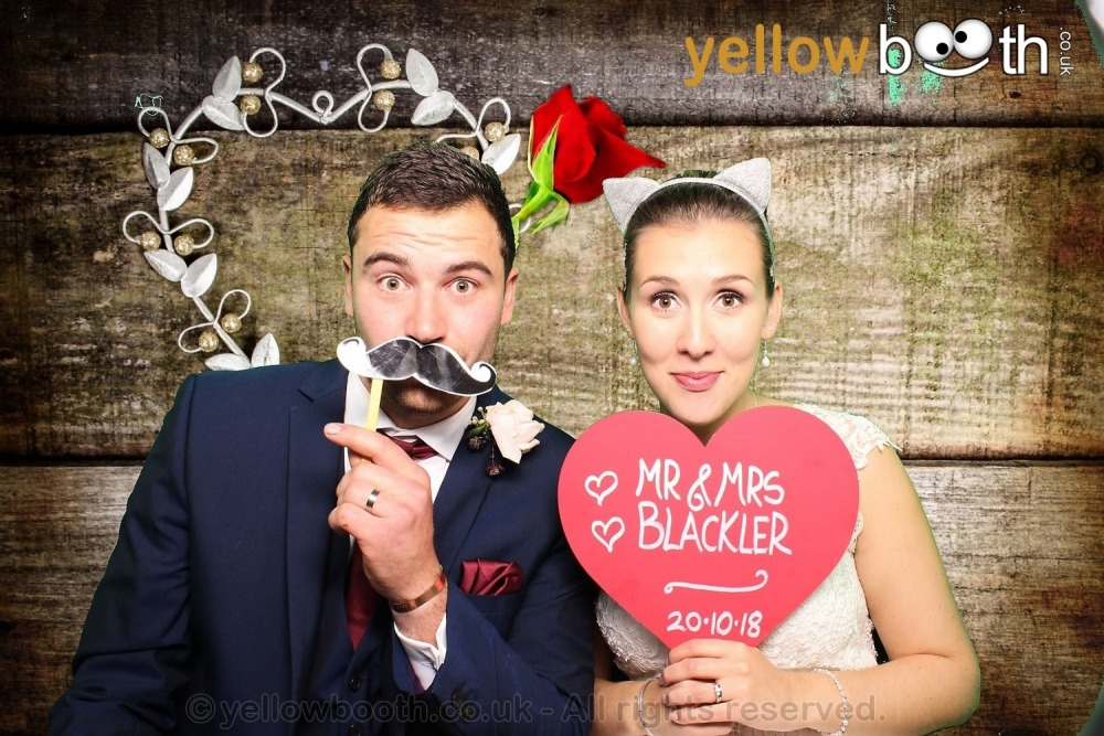 2018-10-20 Mr & Mrs Blackler, the Barn South Milton,